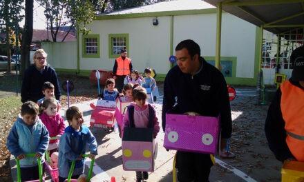 Con juegos y una pista vial, niños se concientizan sobre las normas de tránsito