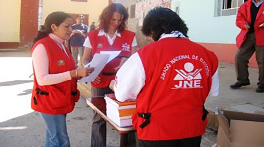 Los peruanos van este domingo a las urnas, en segunda vuelta