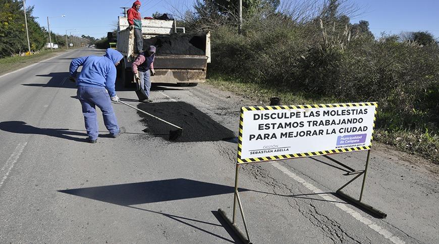 El Municipio realizó el bacheo de la Ruta 4