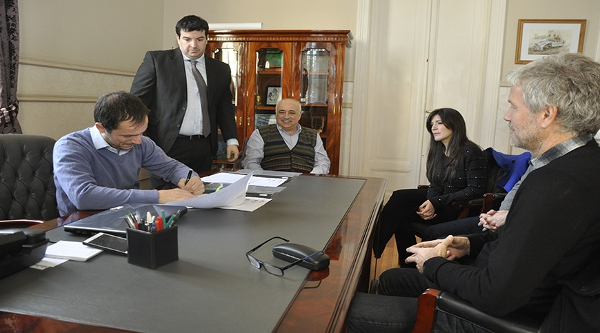 El Municipio firmó un convenio con la UBA para incorporar profesionales locales
