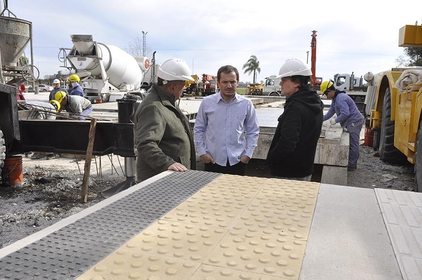El intendente Sebastián Abella visitó la empresa Alquivial