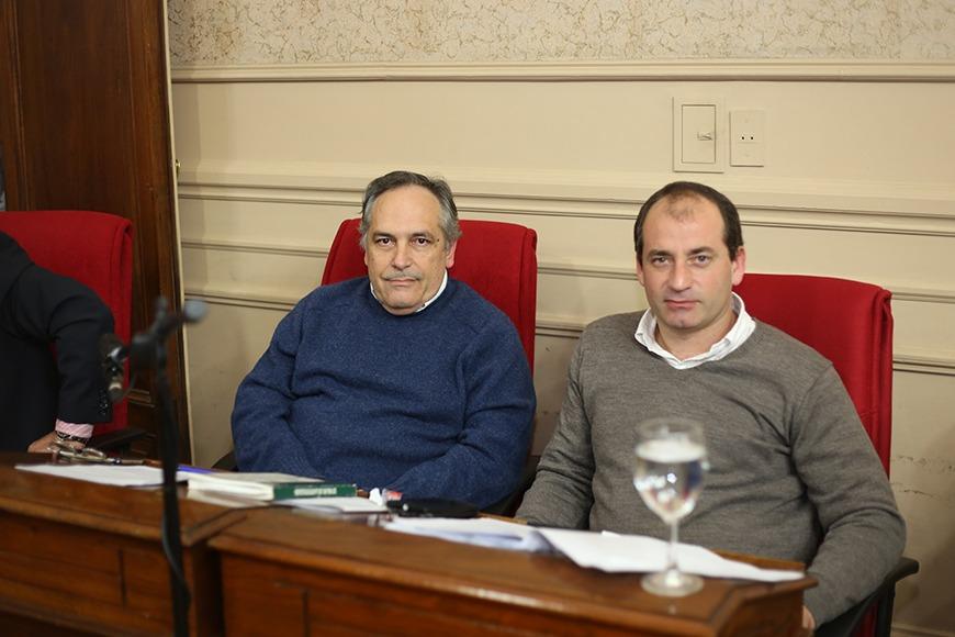 Marco Colella y Carlos Gómez recorrieron el Barrio Las praderas.