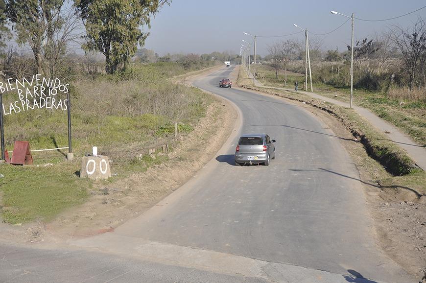El Municipio continúa con la pavimentación de calles en el barrio Las Praderas
