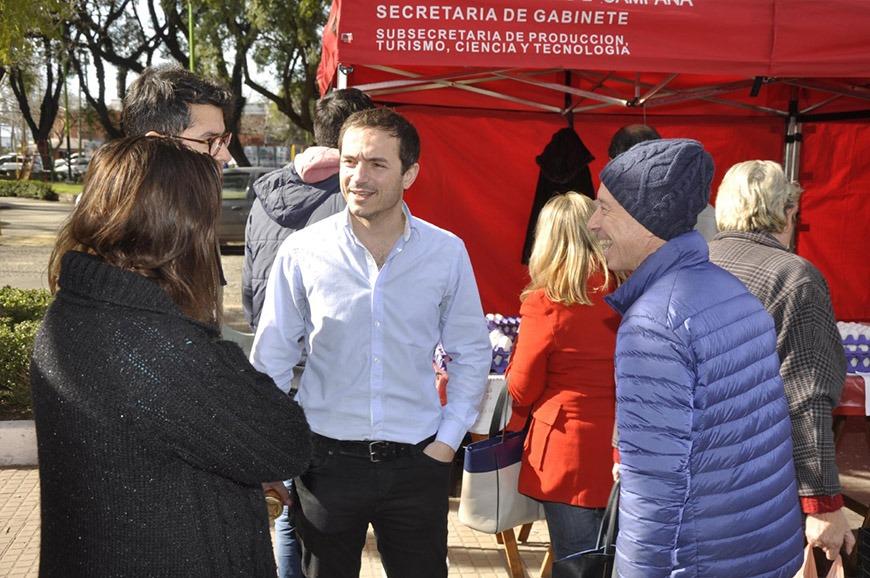 Abella visitó la Feria de Productores Locales que sumó propuestas