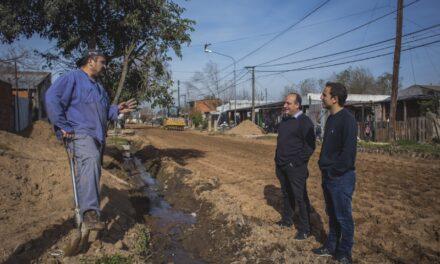 Avanza la importante obra de pavimentación e iluminación en San Felipe