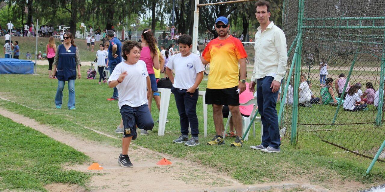 Atletismo: unos 570 estudiantes participaron de un nuevo encuentro intercolegial