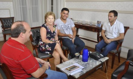 Abella se reunió con integrantes de la Cruz Roja filial Campana