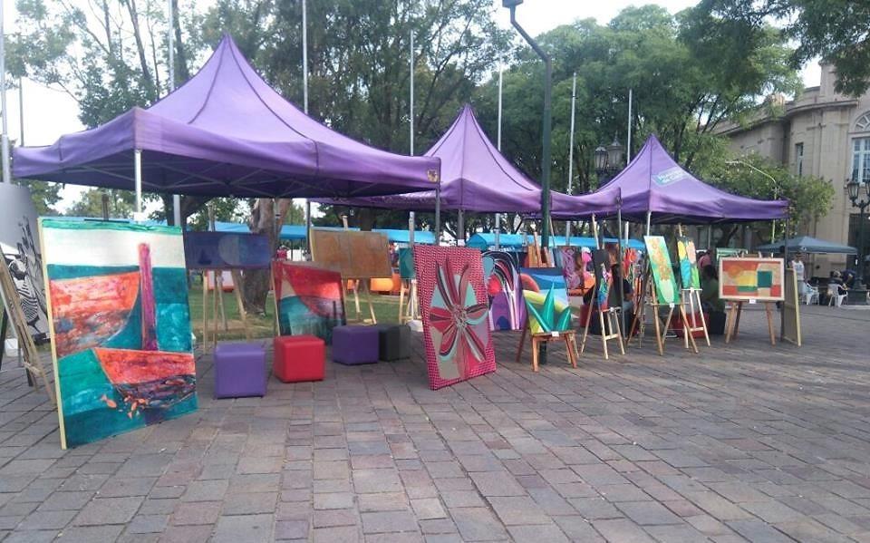 """Artistas plásticos locales dijeron presente en el festival """"Verano Rock"""""""