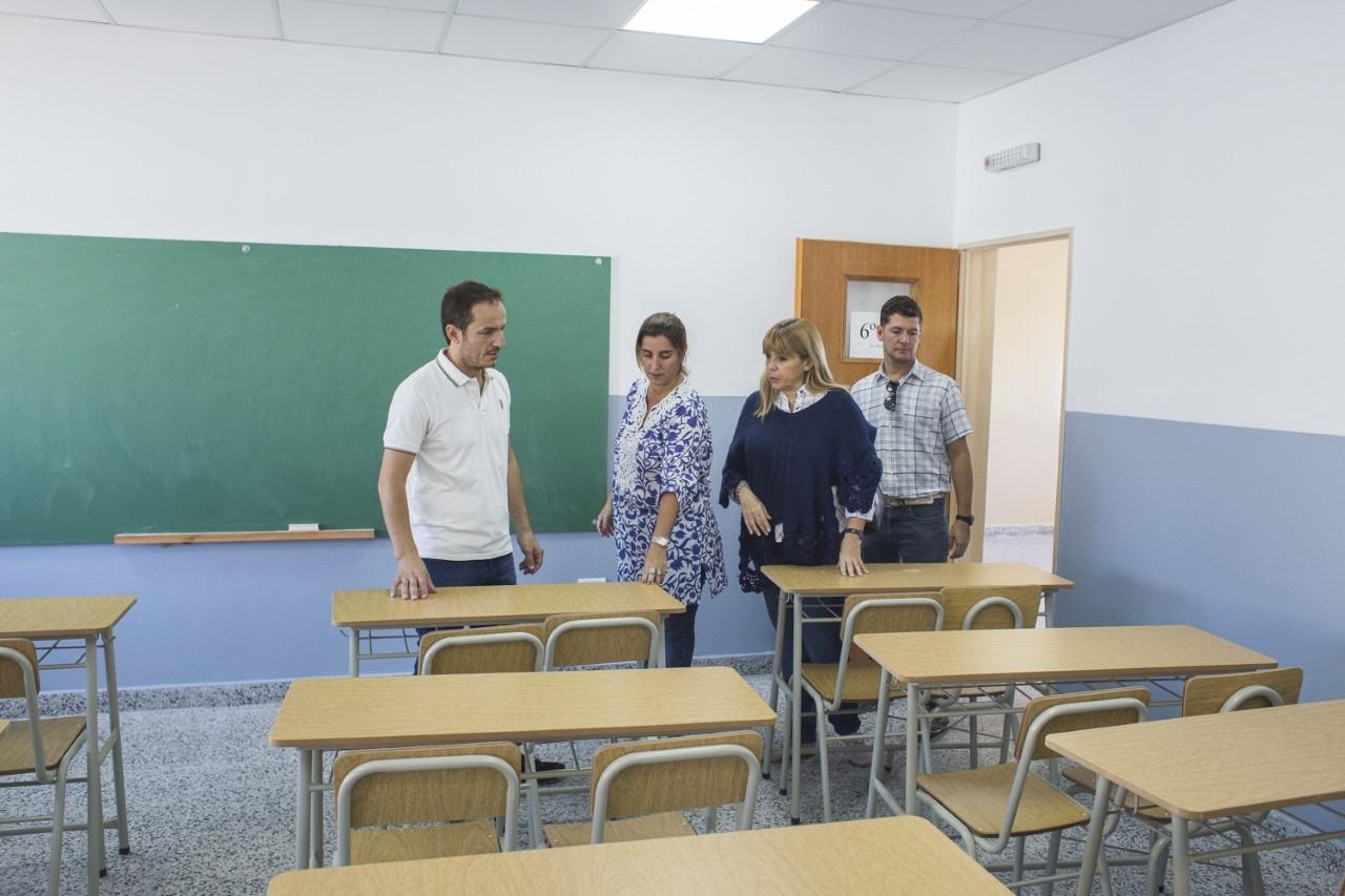Abella recorrió las obras de ampliación de la Escuela Secundaria Nº 26