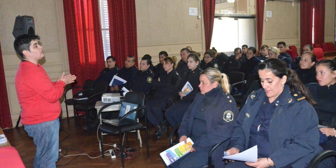 Agentes policiales participaron de un taller de sensibilización en diversidad sexual e identidades de género