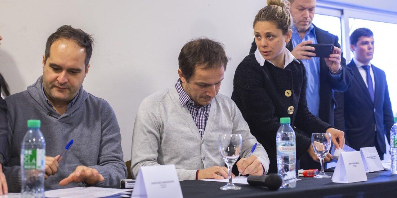Abella firmó un convenio de cooperación con el INADI para trabajar contra la discriminación