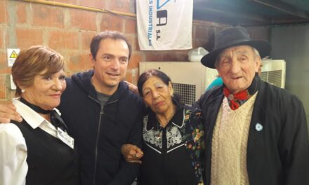 Abella participó del 46° aniversario del Centro Criollo La Carreta
