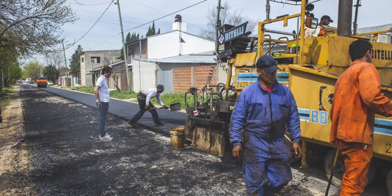 Abella recorrió La Josefa, donde el Municipio encara la obra de asfalto
