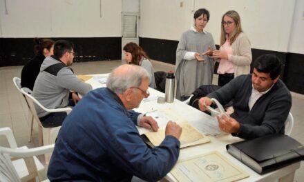 """Asesoramiento sobre escrituras: la """"oficina móvil"""" del Municipio visitó Las Acacias"""