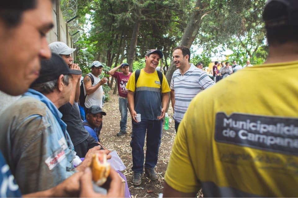 Abella otorgó un aumento salarial a los municipales a cuenta de paritarias