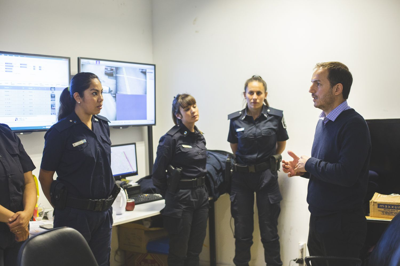 Abella se reunió con el equipo que atiende las emergencias de los vecinos