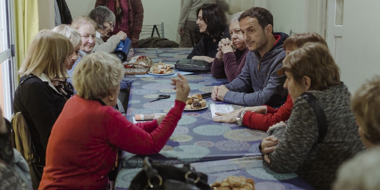 Abella se reunió con docentes jubiladas de la ciudad