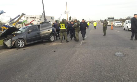 Accidente en Ruta 9: una mujer falleció y un hombre quedó atrapado en el vehículo