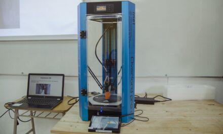 Abella y Sánchez Zinny entregaron impresoras 3D a centros educativos de la ciudad