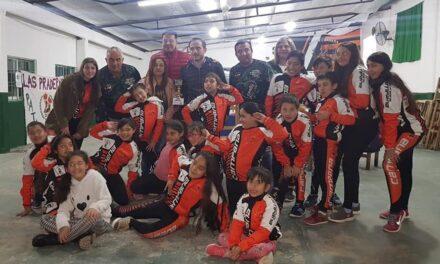 Abella y el equipo Sentir compartieron un grato momento junto a Patín Carrera