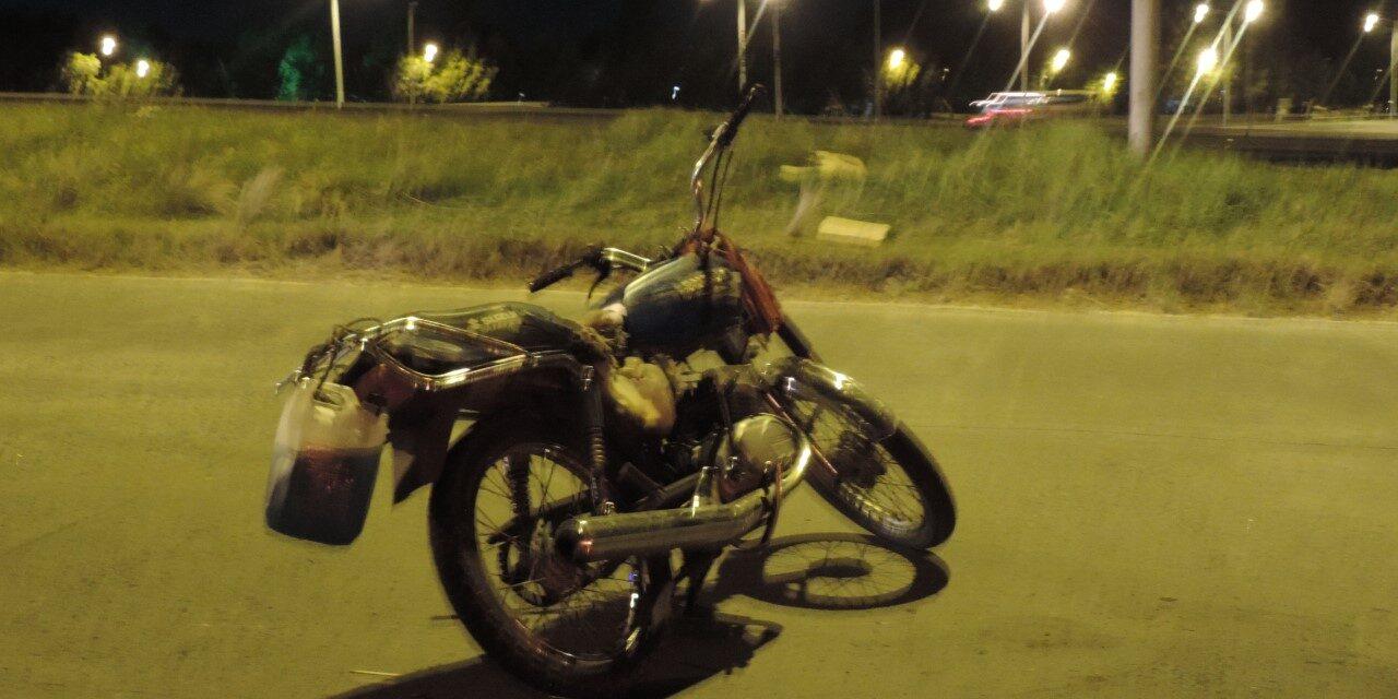 Accidente moto y camioneta sobre el puente de San Felipe