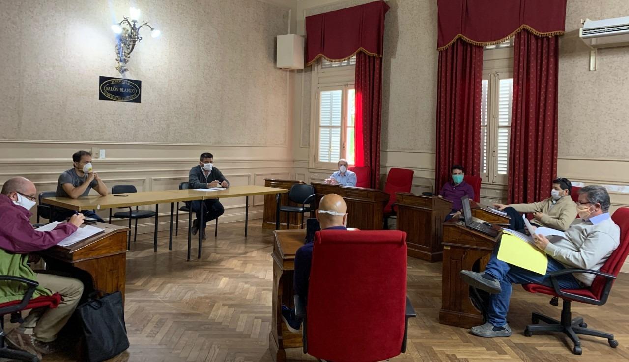 Abella encabezó una reunión por la situación económica del Municipio