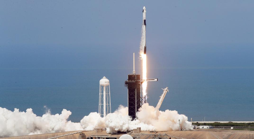 SpaceX y la NASA lanzaron con éxito la primera misión de Estados Unidos con dos astronautas a bordo en nueve años