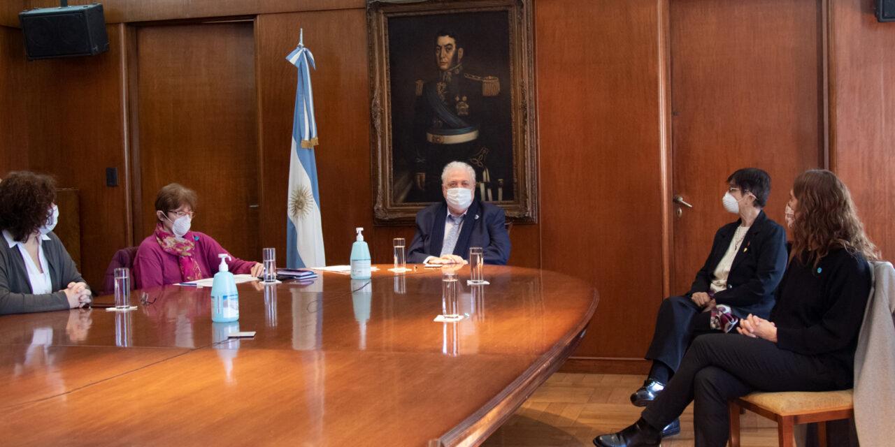Argentina comienza a implementar nuevo esquema de vacunación contra la poliomielitis