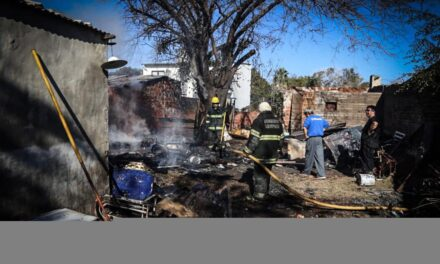 Pedido solidario para la familia que sufrió el incendio de su casa en el barrio Del Pino