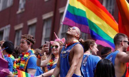 """28 de Junio: Celebracion del Orgullo LGBTQ+ """"Qué cambió en 50 años de Desfiles de Orgullo"""""""