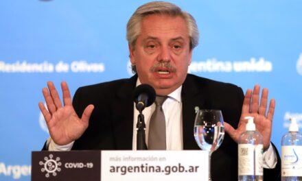 """Fernández  pide """"olvidar las fronteras y límites políticos"""" para enfrentar la pandemia en Provincia y Ciudad."""