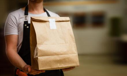 """Empleados de cadena de comidas rapidas alertan por """"ocultamiento"""" de posible caso de Covid-19"""