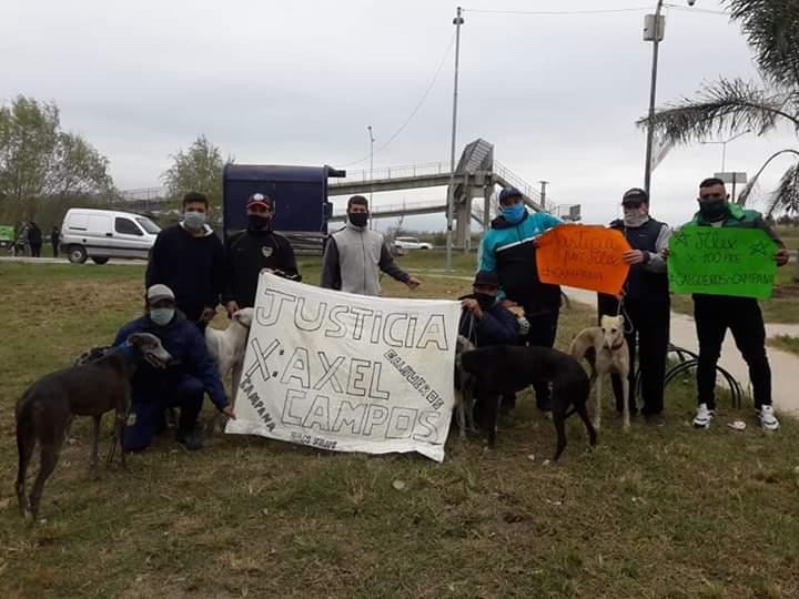 """#JusticiaPorAlex """"galgeros"""" de Campana acompañaron el reclamo de justicia por el chico asesinado en Cañuelas"""