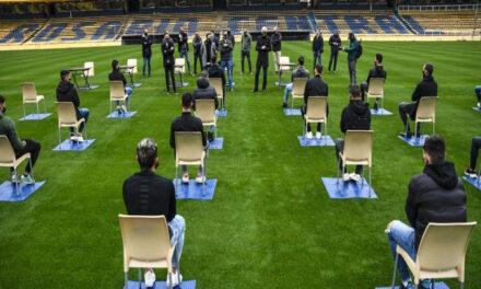 La nueva normalidad en el fútbol: la peculiar presentación del Kily González ante el plantel de Rosario Central