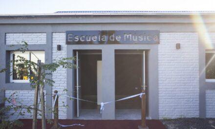 La Escuela Municipal de Música cumple 3 años y más de 100 jóvenes siguen aprendiendo de manera virtual