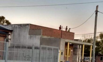 Cuidado niños en el techo