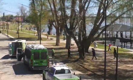 UN EFECTIVO DE CABALLERÍA SE TIRÓ AL RIO PARA RESCATAR A UNA VECINA EN LA COSTANERA