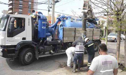 Continúa el plan de limpieza y desobstrucción de los desagües del casco urbano