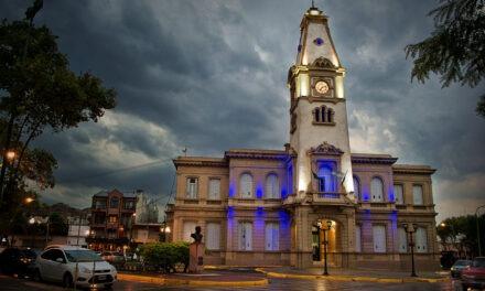 El Palacio Municipal se iluminará de azul turquesa para conmemorar el Día de la Dislexia
