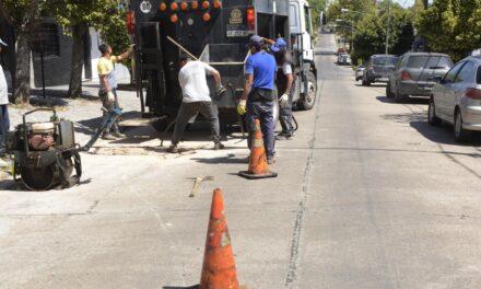 Continúan los trabajos de bacheo para mejorar la transitabilidad por la ciudad