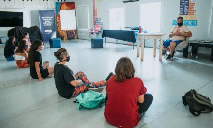 """Jóvenes disfrutan de los talleres de """"Verano Joven 2021"""""""