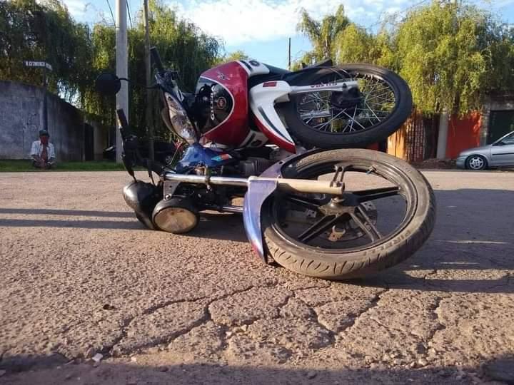 Choque de motos en B° La Argentina