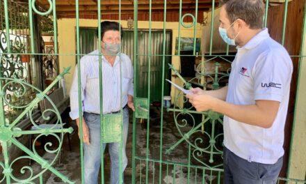 Abella visitó a un vecino poeta del barrio Del Pino
