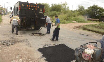 El Municipio volvió a realizar trabajos de bacheo en la ruta 4