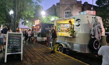 Este fin de semana regresan los food trucks y los artesanos a la plaza Eduardo Costa