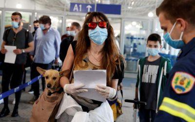 """El Gobierno restringirá """"al máximo"""" los vuelos desde Brasil a partir del sábado"""