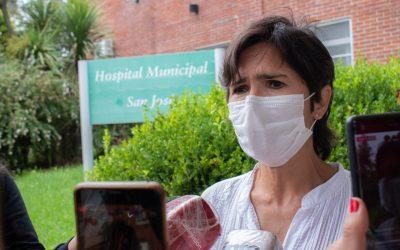 EL HOSPITAL VACUNÓ CON NORMALIDAD AYER Y HOY, PERO YA NO HAY DOSIS Y SIGUE FALTANDO VACUNARSE PERSONAL DE SALUD