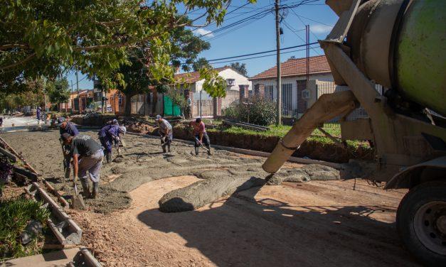 La obra de pavimentación en el barrio Héroes de Malvinas entró en la recta final