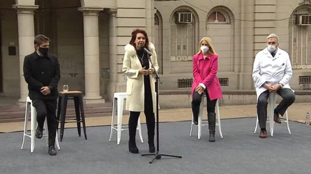 """Cristina Fernández de Kirchner: """" Dejemos la vacuna y la pandemia afuera de la disputa política"""""""