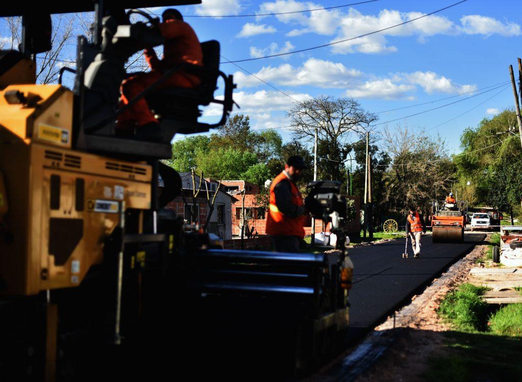 Comenzaron nuevas obras de asfalto en Otamendi